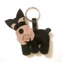 Schnauzer kutyás kulcstartó, hűtőmágnes, Állatfelszerelések, Mindenmás, Férfiaknak, Kulcstartó, Varrás, Ezt a helyes kis kulcstartót egy kedves ismerősöm Schnauzer kutyájáról mintáztam. Szívesen elkészít..., Meska