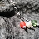 Piros,fehér zöld,ez a magyar föld! nyaklánc, Ékszer, óra, Nyaklánc, Ékszerkészítés, A nyakláncot ezüst színű 44cm hosszú láncból,szerelékekből és 1cm-es gyöngyökből készítettem.A medá..., Meska