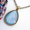 Üveglencsés nyaklánc kék színű levélmintával, Ékszer, Nyaklánc, 3,5 x 2 cm-es üveglencsés medálba kék levélmintás képet tettem.  Nyaklánc hossza: 45 cm  A n..., Meska
