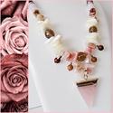 Rózsaszín ásványgyöngyös nyaklánc, Ékszer, Nyaklánc, Halványrózsaszín csiszolt gyöngyökből, fehér kagylógyöngyökből és rózsaszín ásványgy..., Meska