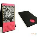 Fényképtartó-fekete-pink, Naptár, képeslap, album, Fotóalbum, 12x22 cm-es textil borítású fényképtartó. 2 db 10x15 cm-es fotót helyezhetsz el benne.  Tásk..., Meska