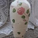 Romantikus púder.... rózsás kerámia váza, Dekoráció, Otthon, lakberendezés, Esküvő, Kaspó, virágtartó, váza, korsó, cserép, Kerámia, Fehér agyagból készítettem ezt a tavaszváró romantikus vázát.  A nagy váza ....30 cm magas - 7-cm a..., Meska