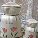 Kikelet... tulipános fűszertartó kerámia zsák, Dekoráció, Otthon, lakberendezés, Konyhafelszerelés, Fűszertartó, Kerámia, Már régóta tervezgetjük-most végre elkészült:) Romantikus-praktikus-hagyományos forma kedvelőinek:)..., Meska