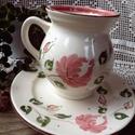 Lizi bögre-Rózsás romantikusan, Konyhafelszerelés, Dekoráció, Bögre, csésze, Ünnepi dekoráció, Kerámia, Festett tárgyak, 3 lányunk közül a legkisebbről neveztem el ezt a bögrét. Lizi.....aki vidám.... romantikus...határo..., Meska