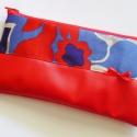 Piros-kék mintás tolltartó textilbőrrel, Táska, Pénztárca, tok, tárca, Neszesszer, Erszény, Piros, kék és vajszín mintás anyagból, valamint piros textilbőrből készült, bélése piros...., Meska