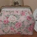 Vintage-rózsás tárca , Táska, Neszesszer, Pénztárca, tok, tárca, Pénztárca, Varrás, Vintage rózsa  mintás anyagból készült tárca. Bélése rózsaszín-fehér csíkos pamutvászonból. Mérete:..., Meska