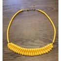 Sárga nyaklánc, Rendkívül nőies ez az 50 cm hosszú nyaklánc, ...