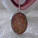 Paisley nyaklánc (piros), Ékszer, Nyaklánc, Paisley mintájú üveglencsés nyaklánc, organzás viaszolt szálra fűzve.  A medál mérete: 25x..., Meska