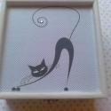 Fekete macska..., Otthon, lakberendezés, Dekoráció, Tárolóeszköz, Doboz, Fekete macska... csillogó-villogó strassz szemekkel... :) Mérete: 14x14x6 cm , Meska