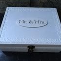 Esküvői ajándékátadó... II., Esküvő, Nászajándék, Ez egy hófehér, 12 rekeszes doboz.... esküvőre, nászajándéknak... (sok apró, de tréfás ajándékokkal ..., Meska