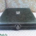 Bagoly a dobozon... , Ékszer, Otthon, lakberendezés, Dekoráció, Ékszertartó, Ez egy fekete és ezüst színben ragyogó, elegáns dobozka... ékszerek, apróságok... akár szivarok, kár..., Meska