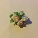 Romantikus vintage rózsás  bross kitűző, Ékszer, Esküvő, Bross, kitűző, Hajdísz, ruhadísz, Saját készítésű bross, alapra éptíve. A rózsák anyaga porcelán, látszat ellenére strapab..., Meska