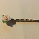 Romantikus vintage rózsás  hajtű egyedi esküvő , Ékszer, Esküvő, Esküvői ékszer, Hajdísz, ruhadísz, Saját készítésű rózsákkal, nikkelmentes alapra építve. A rózsák anyaga porcelán, látsza..., Meska