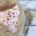 Rózsaszínvirágos nyálkendő, Vékony két réteg pamutvászonból készült íg...