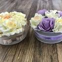Elegáns virágbox/örökbox, Otthon & lakás, Esküvő, Lakberendezés, Esküvői dekoráció, Nászajándék, Virágkötés, Elegáns 15 cm-es virágboxok. Az egyik krém színekben, a másik doboz lila és krém színekben pompázik..., Meska