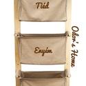 LEN kollekció Falra szerelhető hímzett textil tároló, bézs lenvászon zsákokkal, egyedi hímzéssel - fali tartó, Otthon, lakberendezés, Baba-mama-gyerek, Tárolóeszköz, Gyerekszoba, 3 rekeszes | Beige, földszínű | Hímzett felirattal  Kérhető más színnel hímezve, más szöveggel, így ..., Meska