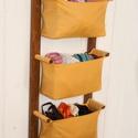 Gyerekszobai tároló - Fürdőszoba bútor - egyszínű vászon rekeszekkel, zsákokkal - fakkos szekrény - lógatható tároló, Bútor, Otthon, lakberendezés, Tárolóeszköz, Letisztult skandináv design, praktikus tároló, mellyel helyet szabadíthatsz fel a földön.  Szereld a..., Meska