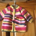 Vidám, színes horgolt kabát sapkával, Gyerek & játék, Táska, Divat & Szépség, Gyerekruha, Ruha, divat, Baba (0-1év), Vidám, színes horgolt kabát és sapka 9-12 hónapos babának, baba-barát fonalból készült., Meska