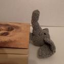 horgolt elefántos könyvjelző, Otthon, lakberendezés, Mindenmás, Ezt az akril fonalból készült elefántos könyvjelzőt gyerekkorom egyik rajzfilm figurája, Babar ihlet..., Meska