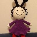 Babóca, horgolt figura, Játék, Baba, babaház, Plüssállat, rongyjáték, Játékfigura, Kolleganőm kislányának készült az első darab a népszerű Bogyó és Babóca főszereplőjéről. Aztán beles..., Meska