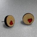 Szerelmes szívek - fa fülbevaló, Ékszer, Fülbevaló, Romantikus alkat lévén nem hiányozhat az ékszereim közül a vörös szívet formázó sem. Jelen esetben a..., Meska
