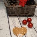 Filc karácsonyfa dísz szív csipkével díszítve illatosított egész fahéjjal szegfűszeggel, Dekoráció, Ünnepi dekoráció, Karácsonyi, adventi apróságok, Karácsonyfadísz, Varrás, Csillogósat félgyöngyökkel és csipkével díszített szív gyapjúfilcből készült.   Ha szeretnéd, hogy ..., Meska