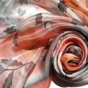 Pipacsok, Ruha, divat, cipő, Kendő, sál, sapka, kesztyű, Kendő, Selyemfestés, Kézzel festett selyemkendő  Ezt a romantikus selyemkendőt a piros, a szürke  és a fekete színekkel ..., Meska