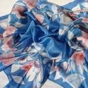 Kék szonáta, Ruha, divat, cipő, Kendő, sál, sapka, kesztyű, Kendő, Selyemfestés, Kézzel festett selyemkendő  Ezen a romantikus selyemkendőn a piros virágokat és a fehér leveleket  ..., Meska