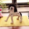 Mozgatható lábú paripa, ló, lovacska., Játék, Baba-mama-gyerek, Baba játék, Fajáték, Varrás,    A képen látható textillovacska kis gazdáját várja, akit elrepíthet aztán meseországba.     A ló ..., Meska