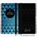 Középen NYÍLÓ kék-fekete háromszöges NÉVRE SZÓLÓ 2019-es AJÁNDÉK Határidőnapló / Egyedi meglepetés FÉRFIAKNAK - 21x19cm