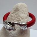 Piros bőrkarkötő kígyófej szerelékkel, Ékszer, óra, Karkötő,   Vastag Piros bőrből készült a karkötő hangsúlyos kígyó szerelékekkel.  Ha egyszerűbb ka..., Meska