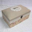 Nosztalgia varrós doboz, Fenyőfából készült nagyméretű csatos doboz,...