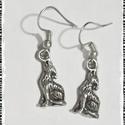 Farkas, női  fülbevaló, Ékszer, óra, Fülbevaló, Lógós, farkas ezüstözött fém fülbevaló. A figura mérete 2,5 cm. , Meska
