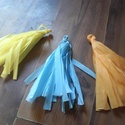 Rojt girlandhoz / papírdekoráció / tetszőleges színben és méretben, Dekoráció, Esküvő, Ünnepi dekoráció, Esküvői dekoráció, 25 cm hosszú krepp papír rojt girlandhoz kiegészítésnek. Tetszőleges színben. 150.-/db., Meska