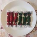 Fenyőfás szaloncukor, 6db, Dekoráció, Ünnepi dekoráció, Karácsonyi, adventi apróságok, Karácsonyfadísz, Karácsonyi dekoráció, Ajándékkísérő, képeslap, Apró fenyőfa mintás anyagból madeira díszítéssel készült szaloncukrok.  A csomag 6db-ot tar..., Meska