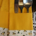 Evőeszköztartó: Tavaszias dekoráció terített asztalra, Dekoráció, Konyhafelszerelés, Otthon, lakberendezés, Lakástextil, Terített asztalra való evőeszköztartó.  Mérete: 10*22cm.  Csak párosan kérhető!  Az ár egy darabra v..., Meska