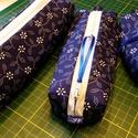 Kékfestő hármas, Táska, Neszesszer, Tollaknak, piperének, és papírzsebkendőnek való tároló. Rendben tartja a táskát!   Mérete: 18*5x7, 1..., Meska