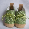 Őszi textilcipi, rendelhető 9-15 cm-es talphosszig, Zöld-fehér pöttyöske, fűzős, bőrorrú és b...