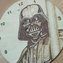 Darth Vader óra, Otthon, lakberendezés, Falióra, Famegmunkálás, Darth Vaderrel díszített falióra.  Ajánlom a Star Wars filmek kedvelőinek, akik szeretnék otthonuka..., Meska