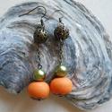 Narancs-oliva fülbevaló gyurma-, fém-, és viaszgyöngyből, bronzszínű gyöngykupakkal, Ékszer, Fülbevaló, Narancs-oliva fülbevaló gyurma-, fém-, és viaszgyöngyből, bronzszínű gyöngykupakkal.  Függő hossza 5..., Meska