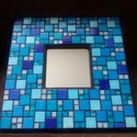 Azúrkék tükör, Dekoráció, Otthon, lakberendezés, Kép, Képkeret, tükör, Mozaik, Többféle kék színű üvegmozaikokkal díszített tükör, a mozaikok között fekete színű fugával. A mozai..., Meska