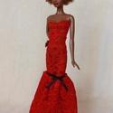 Vörös csipke barbie ruha, Baba-mama-gyerek, Játék, Baba játék, Baba, babaház, Varrás, Elegáns, vörös szőnyegre illő csipkeruha, fekete masnival díszítve.  Szabásának köszönhetően az üzl..., Meska