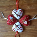 Karácsonyi filc baglyos szívek , Dekoráció, Ünnepi dekoráció, Karácsonyi, adventi apróságok, Ajándékkísérő, képeslap, Karácsonyi dekoráció, 100% kézzel varrt, Filc szívecskék, flízzel töltve. Méretük kb 8x8cm Akasztó nélkül.  Az 4..., Meska