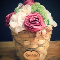 Kaspóvirág , beige - Örökvirág asztaldísz, Dekoráció, Dísz, Asztaldísz, Ékszerkészítés, Virágkötés, 14-15cm magas kaspóvirág. Színei sokféle variációban rendelhetők. Csipkevirag mindig kerül bele, va..., Meska