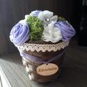 Kaspóvirág - zuzmóval, Dekoráció, Esküvő, Dísz, Meghívó, ültetőkártya, köszönőajándék, Virágkötés, Varrás, Csodás virágok kaspóban. Rengeteg szín közül lehet választani. Az összes remekül mutat a zöld izlan..., Meska