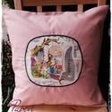 Merengő - párnahuzat, Dekoráció, Otthon, lakberendezés, Lakástextil, Párna, Rajzos textilblokkal díszítettem ezt a rózsaszín (számomra inkább hússzín) vásznat.  Áthajtós záródá..., Meska