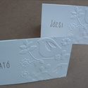 Madárkás névkártyák, Esküvő, Naptár, képeslap, album, Meghívó, ültetőkártya, köszönőajándék, Minden ünnepi asztalt különlegessé tesznek ezek a kedves, madárkás-virágos dombormintás névkártyák. ..., Meska