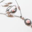 Rózsaszín rózsás nyaklánc - fülbevaló - karkötő szett, Csodaszép, romantikus stílusú ezüst alapot ró...