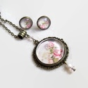 Rózsák üveglencsés vintage nyaklánc fülbevaló szett, Rózsás motívummal díszített nyaklánc és fü...