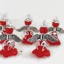 Angyalka - 5 db-os csomag - piros, Dekoráció, Ékszer, Ünnepi dekoráció, Karácsonyi, adventi apróságok, Akryl virágból, gyöngyből, filigrán gyöngykupakokból és tibeti ezüst alkatrészből készült édes kis a..., Meska